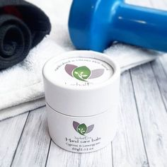 100% Natural rip stopper hand balm for hard working hands (Gymnasts, CrossFit, Climbers, Weightlifters, Rowers...). Cypress & Lemongrass balm helps repair skin rips, protect from callus tears and prevent blisters. It keeps skin and cuticle supple, and reduces pain and inflammation.Each ingredient was hand selected to create the perfect formula to moisturize and get your hands back to their true nature.