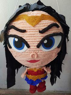 #Piñata #MujerMaravilla uno de nuestro diseños nuevos más apegado a la nueva película