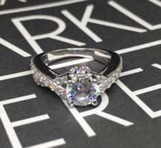 twist ring .925 sterling silver brilliant cut centre stone 5A cz