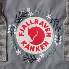 Excellent Photo hand sewing aesthetic Ideas embroidered fjallraven kanken background, with floral embroidery Embroidery Hoop Crafts, Floral Embroidery Patterns, Embroidery Bags, Cute Embroidery, Silk Ribbon Embroidery, Mochila Kanken, Looks Style, Fabric Flowers, Flag Wreath