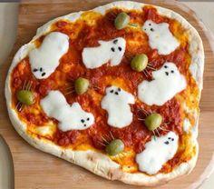 """Spread the loveRecreo Viral tiene para ti 23 aperitivos deliciosos y terroríficos que te convertirán en el mejor anfitrión de las fiestas de Halloween de todos los tiempos. Utiliza tu creatividad e inventa tu propio postre tenebroso. 1. Pastel fantasma 2. Shots """"Magia Negra"""" 3. Malteada de calabaza 4. Manzana envenenada… Digo, acaramelada 5. Pizza …"""