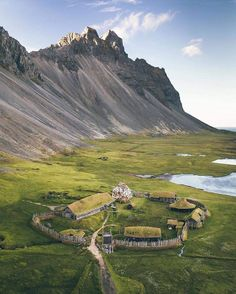 Super Viking village in Iceland. Have you seen something like this? Image from fb. Paradise California, Viking Village, Couple Travel, Family Travel, Nature Photography, Travel Photography, Voyager Loin, Destination Voyage, Iceland Travel