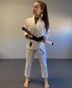 """Danielle Kelly on Instagram: """"Thanks for the cool gi @vhtsny @blindbarber 😊🥋"""" Female Martial Artists, Martial Arts Women, Art Women, Big, Sports, Instagram, Fashion, Martial Arts, Fine Art"""