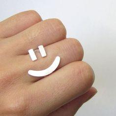 Ringen - blij gezicht ring =) - zilveren ring - handgemaakt - Een uniek product van smilingsilversmith op DaWanda
