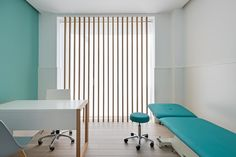 Aima Estudio - Diseño interior y gestión integral Clínica Novae en Madrid Clinic Interior Design, Clinic Design, Cabinet Medical, Medical Office Design, Hospital Design, Treatment Rooms, Home Hacks, Room Interior, Decoration