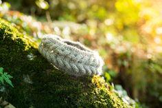 Headband torsadé et balade en forêt !   Tricoté grâce à un tuto de  Woolyma Créations, avec une petite adaptation (3 mailles de bordure au lieu de 4 donc 22 mailles montées) pour s'adapter à la laine.