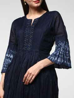Crochet Jacket Summer Outfit Ideas For 2019 Shibori, Indigo, Kurta Neck Design, African Fashion Designers, Kurta Designs Women, Textiles, Indian Designer Wear, Indian Dresses, Dress Patterns