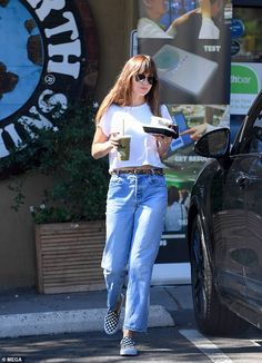 Dakota Johnson keeps it casual as she pops out to grab lunch after denying pregnancy rumours Estilo Dakota Johnson, Dakota Johnson Street Style, Dakota Style, Look Fashion, Fashion Outfits, Trendy Swimwear, Looks Cool, Latest Fashion For Women, Her Style
