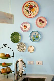 Vintage charm on a wall... with plates! So pretty! By Meredith & Gwyneth, The New Yorkie, like the plates, nice colors