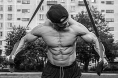 The Ultimate Calisthenics Transformation - Use one of these 4 calisthenics workout progressions to get into the best shape of your life without setting a foot into the gym. Calisthenics Workout Program, Calisthenics Equipment, Workout Programs, Calisthenics Body, Calisthenics Workout For Beginners, Fitness Programs, Weight Training Workouts, Body Weight Training, Gym Workouts