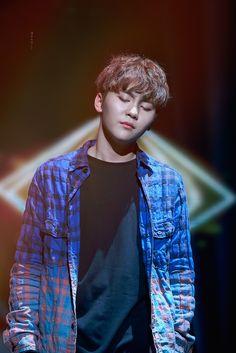#PrettyU #Seungkwan Love his shirt.
