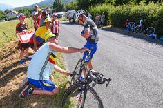 超級山岳グランコロンビエ峠の下りで落車したジュリアン・アラフィリップ(フランス、エティックス・クイックステップ)