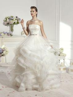 Doris (Vestido de Noiva). Estilista: Novia d'Art. ...