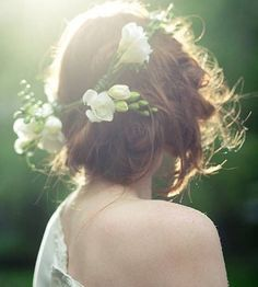 messy bun romantic hairstyles