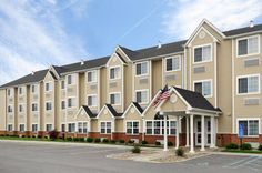 Microtel Inn & Suites by Wyndham Middletown Middletown (New York) This Middletown, New York hotel off Interstate 84 offers rooms with free Wi-Fi and a cable TV.  It features a 24-hour business center and is just a 5-minute drive from Mirador Golf Club.