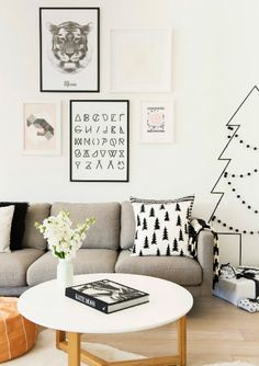 ChicDecó: black and white cushions. Washi tape Christmas tree. Grey sofa. Scandinavian dining area
