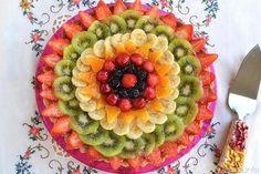 La crostata di frutta è una delle 2 torte che ho preparato per il compleanno di Ivano, quest'anno sono andata a crostate, quella classica con
