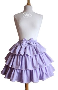 Another great lolita skirt that I would wear every day if I had it. I will make one like this very soon!