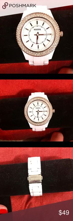 White Ceramic Fossil Watch Excellent condition. Classic white ceramic Fossil watch. Needs battery. Fossil Accessories Watches
