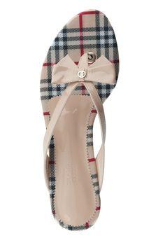 Burberry Summer Chic #clothesforsummer #sunayildirim #SummerChic #Summer #Chic #fashionsummer www.2dayslook.com