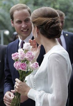Kate & William. FRESH FLOWERS FOR HIS DARLING.