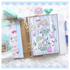 Under the sea...under the sea Just decorated my planner pockets and dashboard - my newest addiction! Click on the link (in bio) to see more pics #underwatertheme #mermaidlove Planner Pockets, Planner Inserts, Underwater Theme, Planner Dashboard, Cute Planner, Under The Sea, Bujo, Addiction, How To Draw Hands