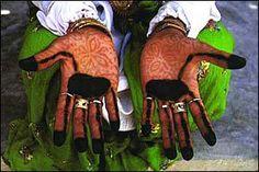 Dress of the Bandari peoples | Old School Hejabi - THIS BLOG HAS ...