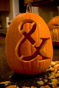 Pumpkin Ampersand - I've been waiting to see one of these! @Danni Renée @Brittany Thomas lets do this PAAA-Lease!