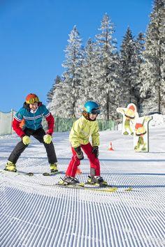 #Skifahren lernen für #Skianfänger im #Mühlviertel. Alle Infos und Angebote zu #Skifahren im #Granithochland unter www.muehlviertel.at/skifahren ©Oberösterreich Tourismus/Erber Snowboarding Holidays, Ski Resorts, Ski, Tourism, Studying, Pictures, Tips