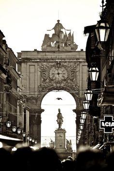 """""""Walking in Lisbon"""" by Patricio Dell'Orto"""