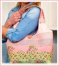 Feminine Reversible Jelly Roll Tote Bag Sewing Project - A free sewing video tutorial from Jennifer Bosworth of Shabby Fabrics