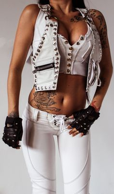 TOXIC VISION white genuine leather with a Witch finder General patch on the back and metal detailing all around! Sexy Outfits, Vision Clothing, Mode Steampunk, Estilo Rock, Mein Style, Rocker Style, Toxic Vision, Metal Girl, Biker Girl