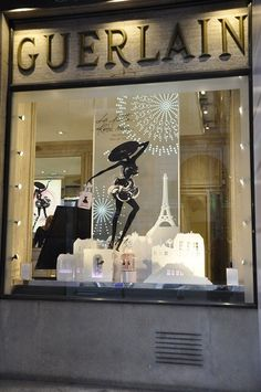 Guerlain Window Display, Rue St Honoré, Paris | Audrey Loves Paris    ᘡղbᘠ