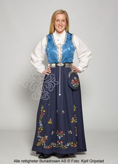 Rogalandsbunad Jelsa with fresh colors, blue life and blue stuck in ulldrape. Folk Costume, Costumes, Frisk, Jelsa, Blue Life, Norway, Culture, Lady, Travel Abroad