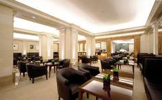 Nuevo estilo para el Bar del Majestic con la participación de Marcasal en el desarrollo del tapizado de sillones, taburetes, sofás. http://marcasal.es/web/hotel-majestic-eclectico-y-clasico/