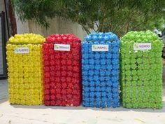 plastic bottle art Basurero hecho con basura - Thash can made whith garbage Plastic Bottle Caps, Reuse Plastic Bottles, Bottle Cap Art, Recycled Bottles, Recycled Crafts, Bottle Cap Projects, Bottle Cap Crafts, Recycling Containers, Recycling Bins