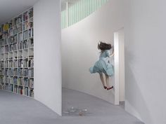 levitation photography 01 in Incredible Levitation Photography: People Can Fly