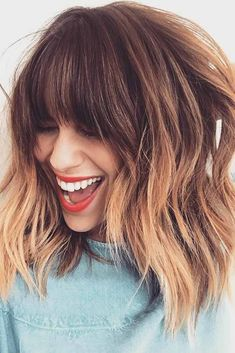 Mechas californianas: passo a passo, cuidados e pictures para te inspirar Related posts: medium-layered-hairstyle-designs-women-shoulder-length-hair-cuts-for-thick-hair -… Hair autumn Easy updos for medium hair updos … short hairstyles 2019 for women # Hair Color And Cut, Ombre Hair Color, Ombre Hair Bob, Bangs And Balayage, Balayage With Fringe, Lob Bangs, Ombre Hair With Fringe, Long Bob With Fringe, Ombre Bob With Bangs