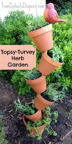 Topsy-Turvey-Herb-Garden garden kids 20 Low-Budget Garden Pots and Container Projects Diy Herb Garden, Garden Crafts, Garden Planters, Garden Projects, Vegetable Garden, Kid Garden, Spice Garden, Herbs Garden, Diy Projects