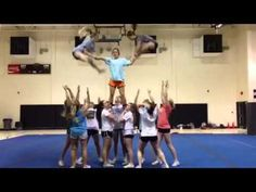 Toe touch toe for pyramid Easy Cheerleading Stunts, Cool Cheer Stunts, Cheerleading Pyramids, Cheer Pyramids, Cheer Jumps, Cheer Tryouts, Cheer Coaches, Gymnastics Stunts, High School Cheerleading