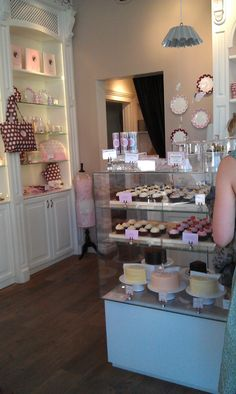 Peggy Porschen... can't wait to go there @Laura Jayson Jayson Jayson Jayson Flachs . :)