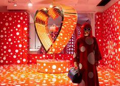 L  Louis-Vuitton-and-Kusama-concept-store-at-Selfridges-polka-dot-4