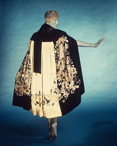 Myrbor, Futurist-Style Evening Cape with Geometric Motifs, c. 1925.