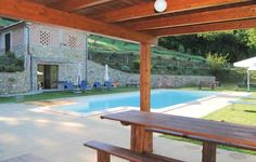Villa Marzolo - il Castagno Citta�di Castello (PG) Located 36 km from Perugia, Villa Marzolo - il Castagno offers accommodation in Morra. Guests benefit from terrace and an outdoor pool. Free private parking is available on site.  The kitchenette is equipped with a dishwasher.