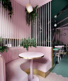 restaurant design This modern cafe has open velvet caged booths that creating a separation between the different seating areas. Modern Interior Design, Modern Decor, Interior Architecture, Coastal Interior, Modern Bar, Modern Coastal, Contemporary Interior, Luxury Interior, Design Bar Restaurant