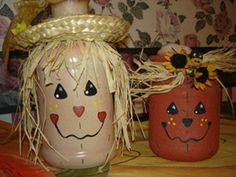 Scarecrow & Pumpkin Hand Painted Halloween Mason Jars - http://www.gottalovediy.com/halloween-mason-jars/