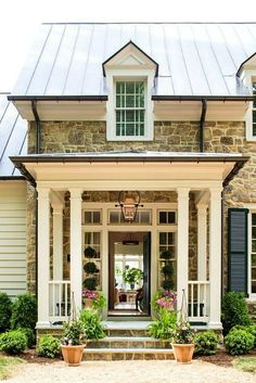 Do you want to transform your home exterior into modern farmhouse exterior? Modern farmhouse exterior is the perfect blend of modern and traditional elements. Exterior Design, House Exterior, Front Door, Southern Living Homes, Stone House, Ranch Style Homes, Building A Porch, Country House Decor, Porch Design