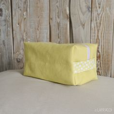 portapannolini - beauty giallo/stelle https://www.facebook.com/pages/Lafraco/281135972043957