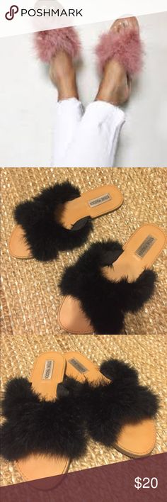 Steve Madden Ciara sandals Furry sandals by Steve Madden very comfortable. Great in the summer and winter!! Just like the first picture but in black. In worn condition but still in good condition Steve Madden Shoes Sandals