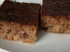 Nejjednodušší šťavnatý koláč s jablky a čokoládou, který vás mile překvapí